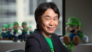 Shigeru Miyamoto Nintendo Wii controller